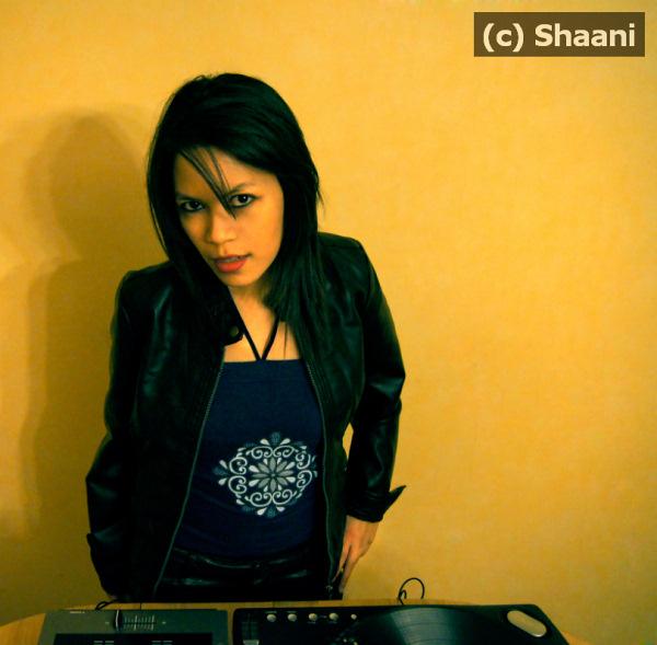 Shaani, une fille à la pointe du mix djShaani, une fille à la pointe du mix dj